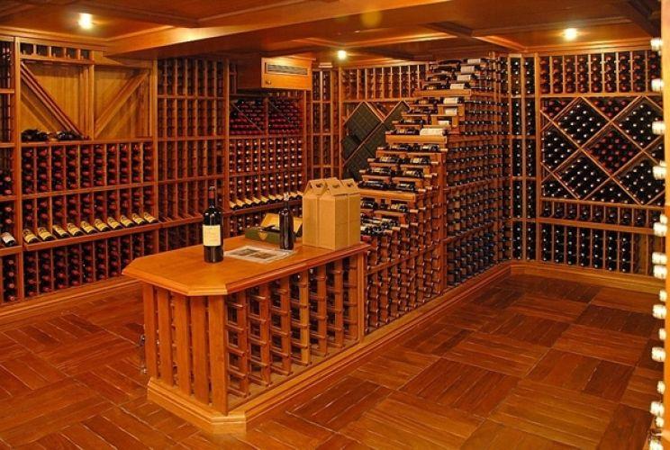 Adega de vinho, você já pensou em criar um espaço assim em sua casa?