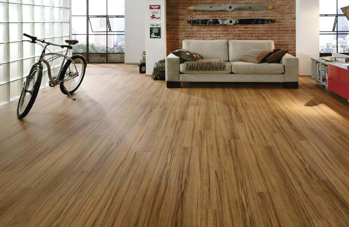 Você deve escolher o piso de madeira. Mas qual tipo é melhor?