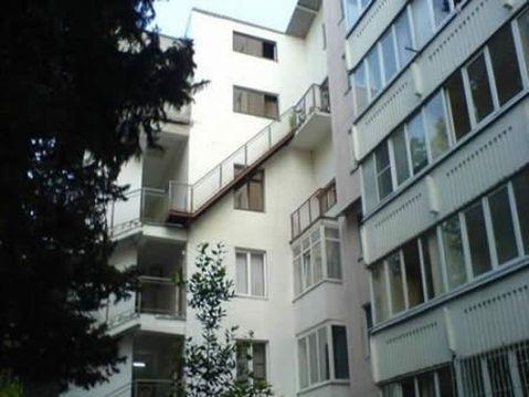 A sogra morava no apartamento de cima.