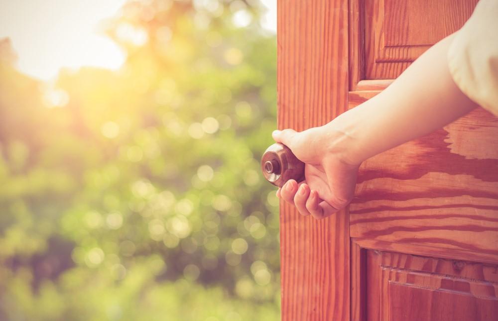 Qual a importância de escolher a porta ideal para sua casa?