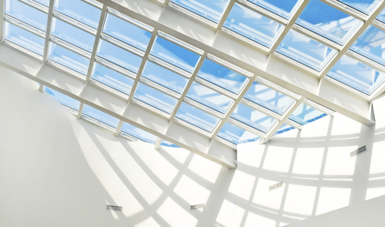 Telhado transparente: Entenda os motivos para usar em sua casa